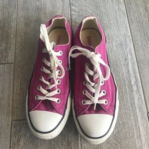 Converse Sneakers 👟
